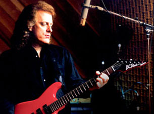 Tommy-James-and-the-Shondells-at-Westbury-Music-Fair