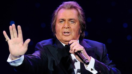 Engelbert Humperdinck at NYCB Theatre at Westbury
