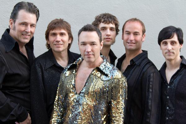 Super-Diamond-at-the-Westbury-Music-Fair