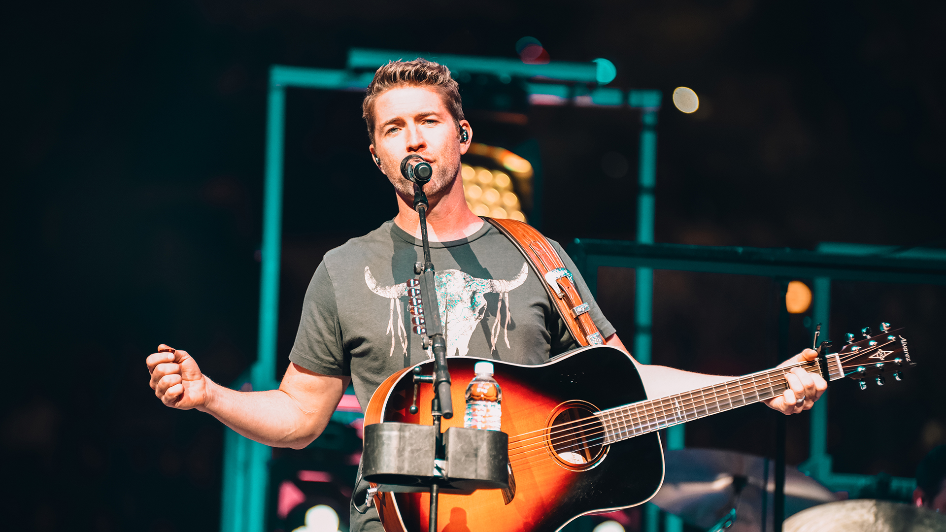 Josh Turner [CANCELLED] at NYCB Theatre at Westbury